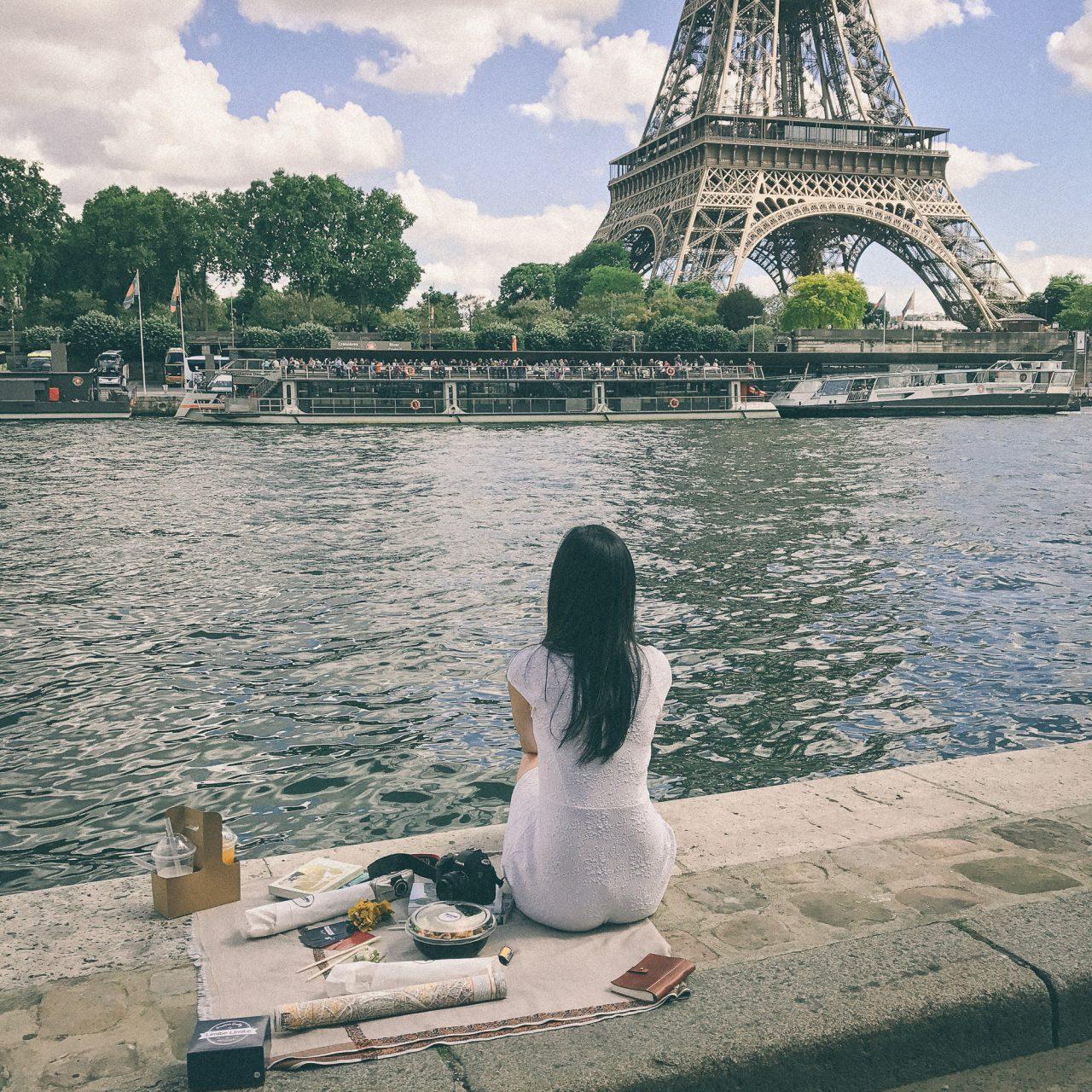 Picnic in Paris blogger Quai de Seine Eiffel Tower linhbaybong