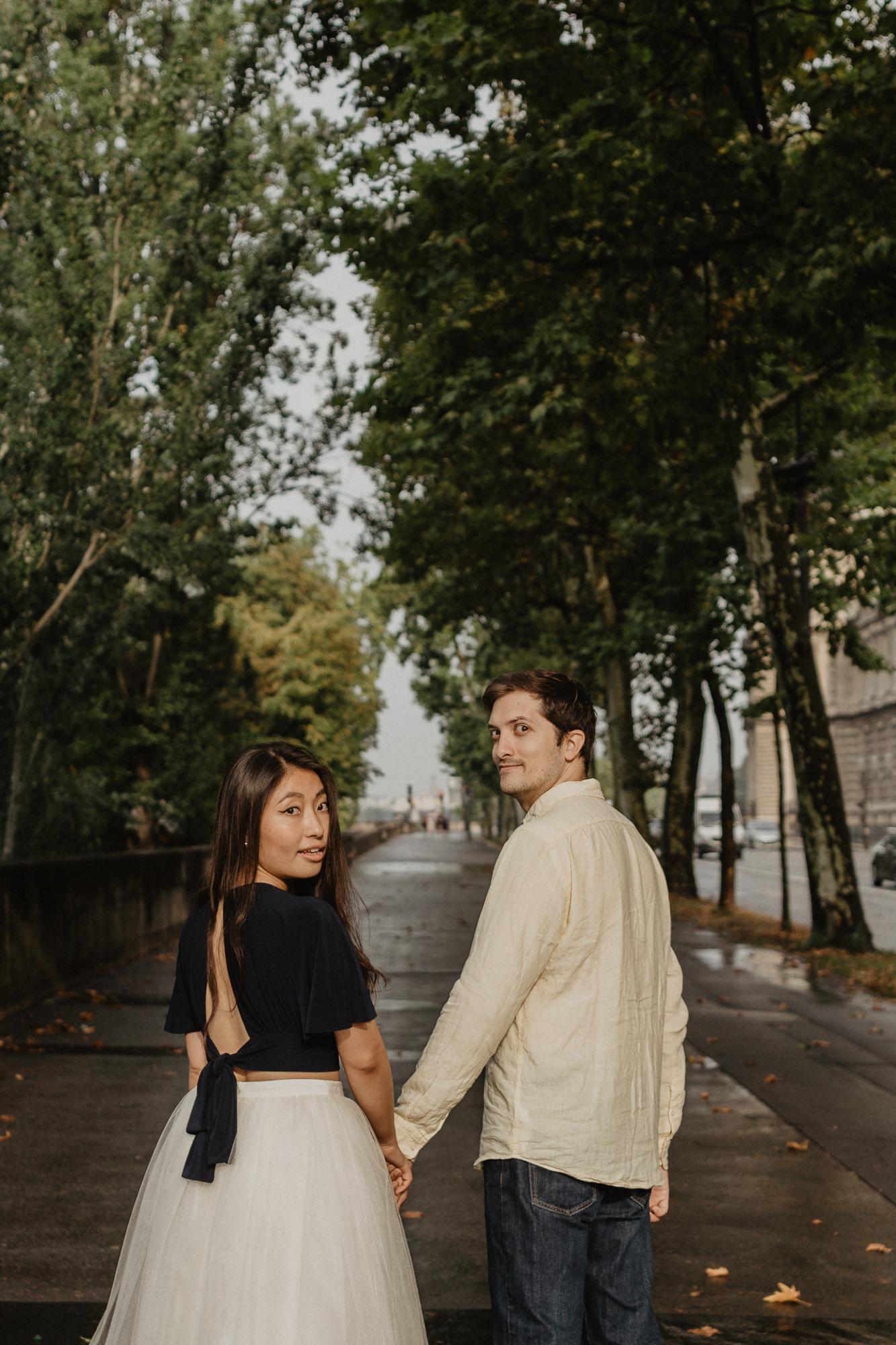 Couple photography Seine river Paris