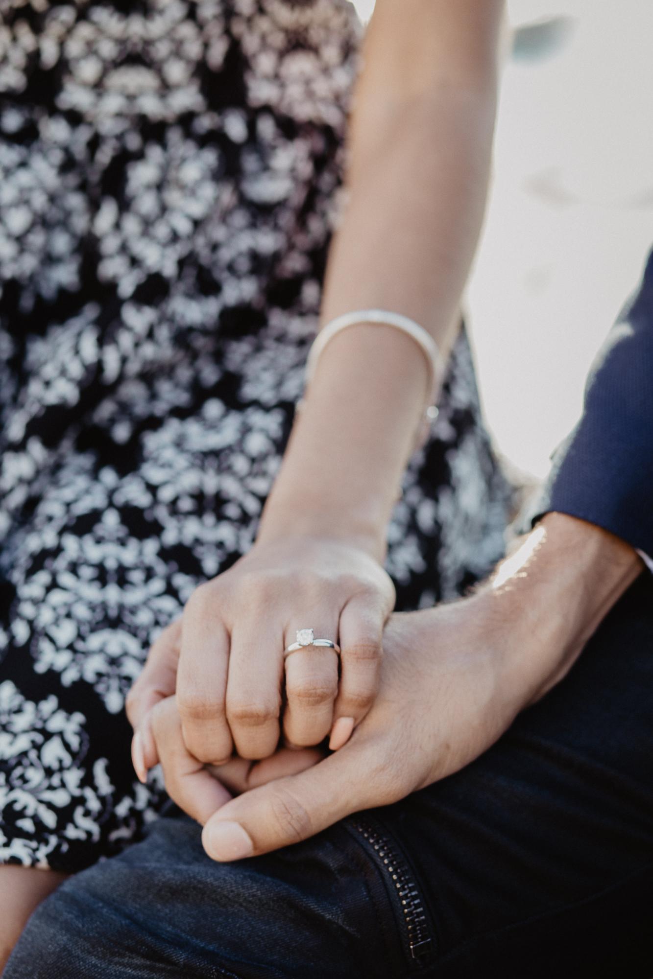 Engagement ring Paris photographer