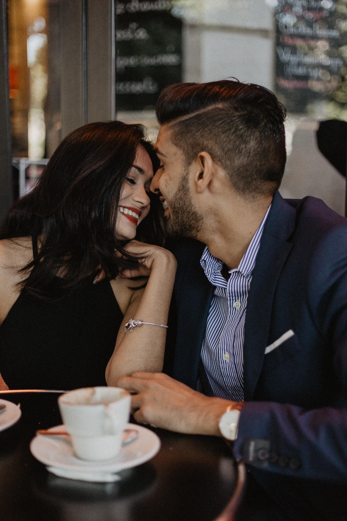Couple portrait Paris photography cafe