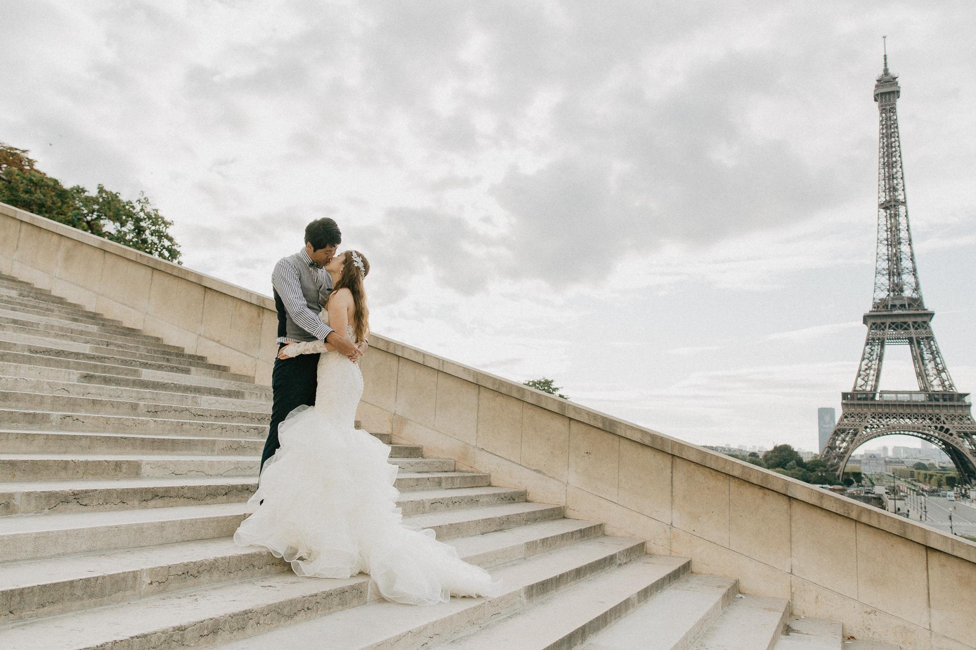 Wedding photography eiffel tower paris