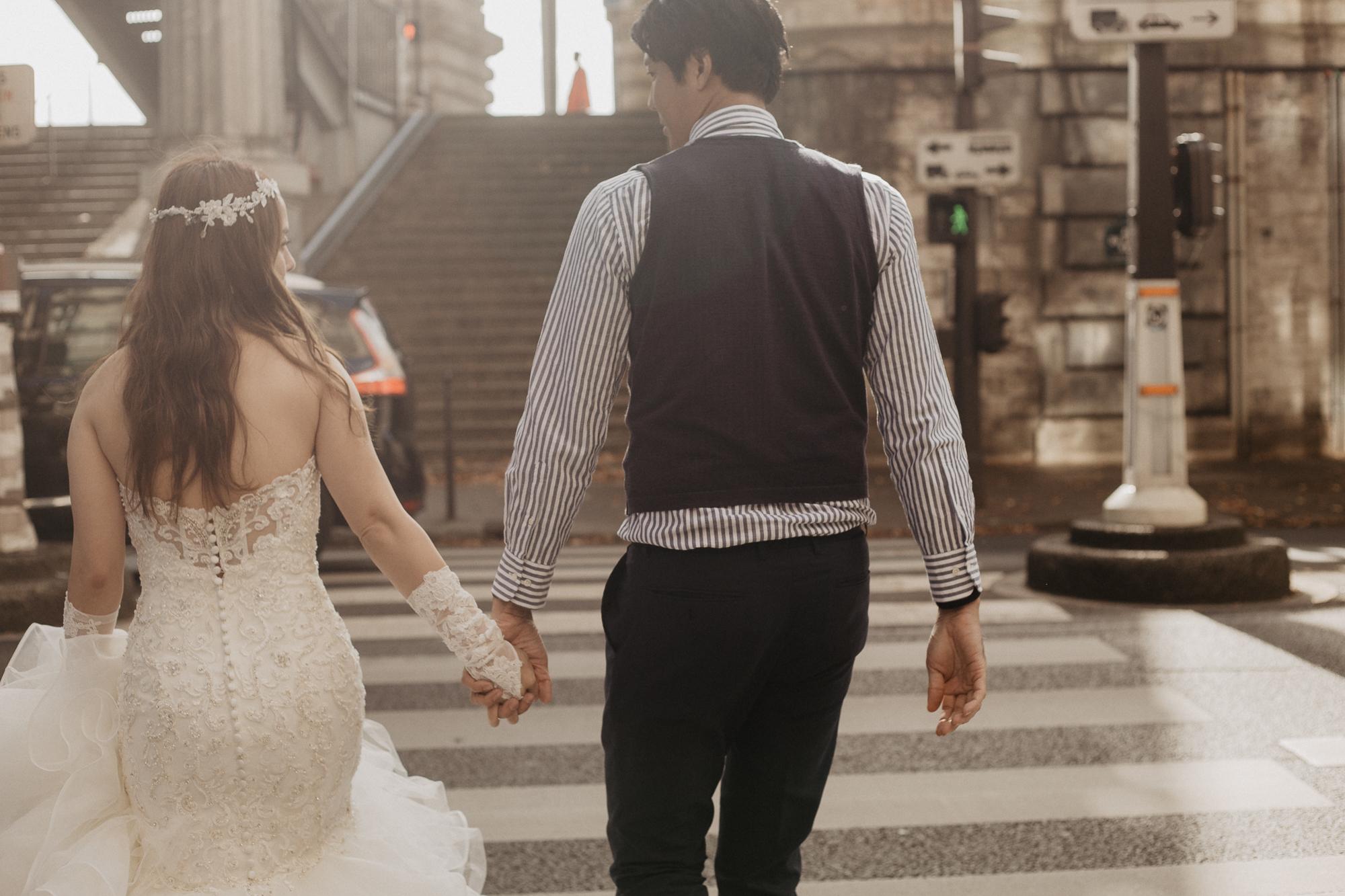 Wedding photo bir hakeim bridge