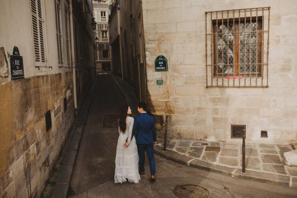 Paris Seine river pre-wedding Ile saint louis