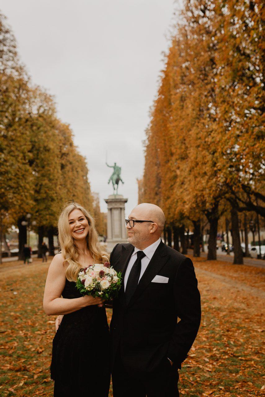 Autumn paris wedding photo