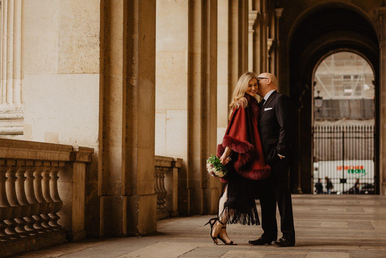 Autumn paris wedding photo louvre