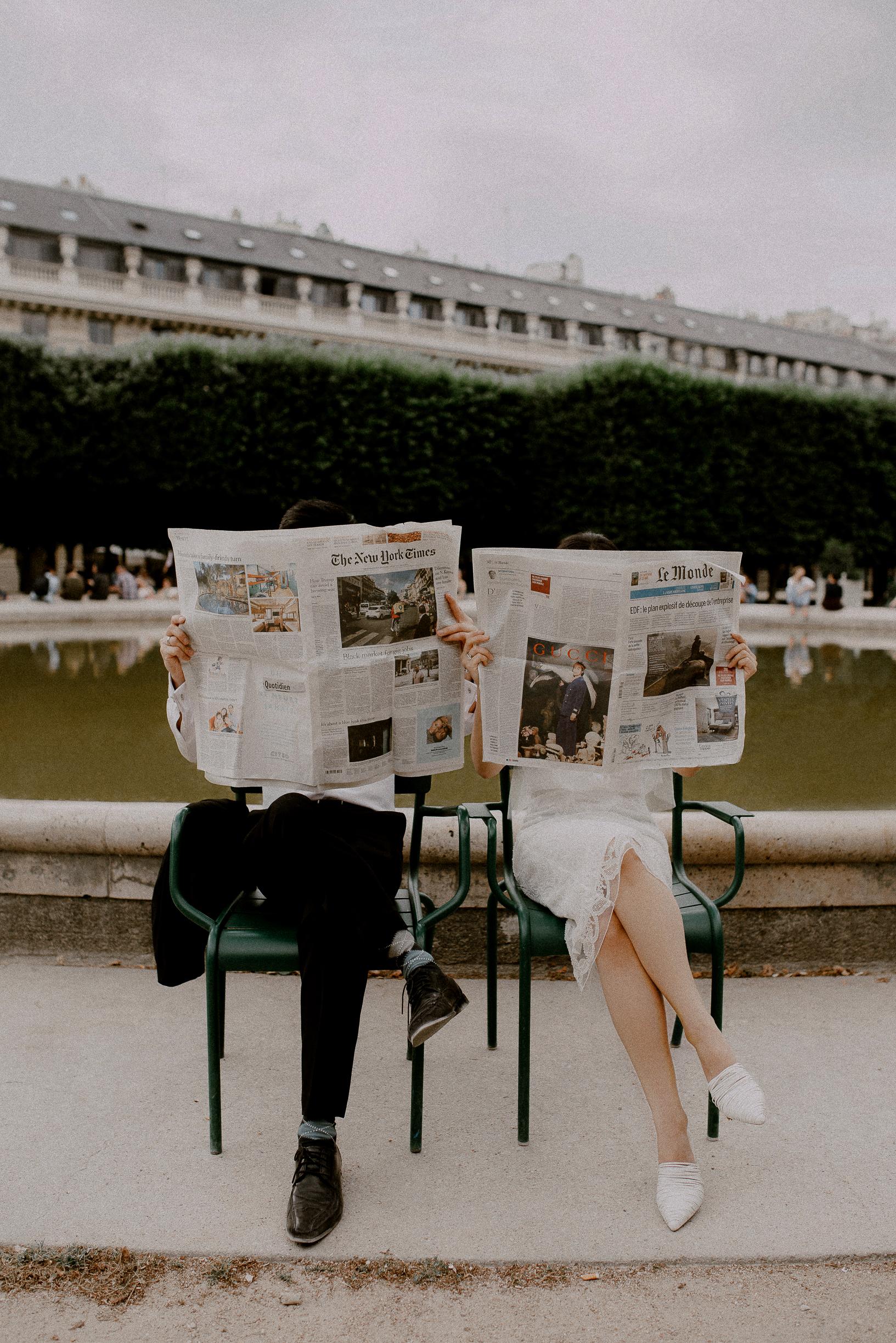Newspaper couple props paris photoshoot