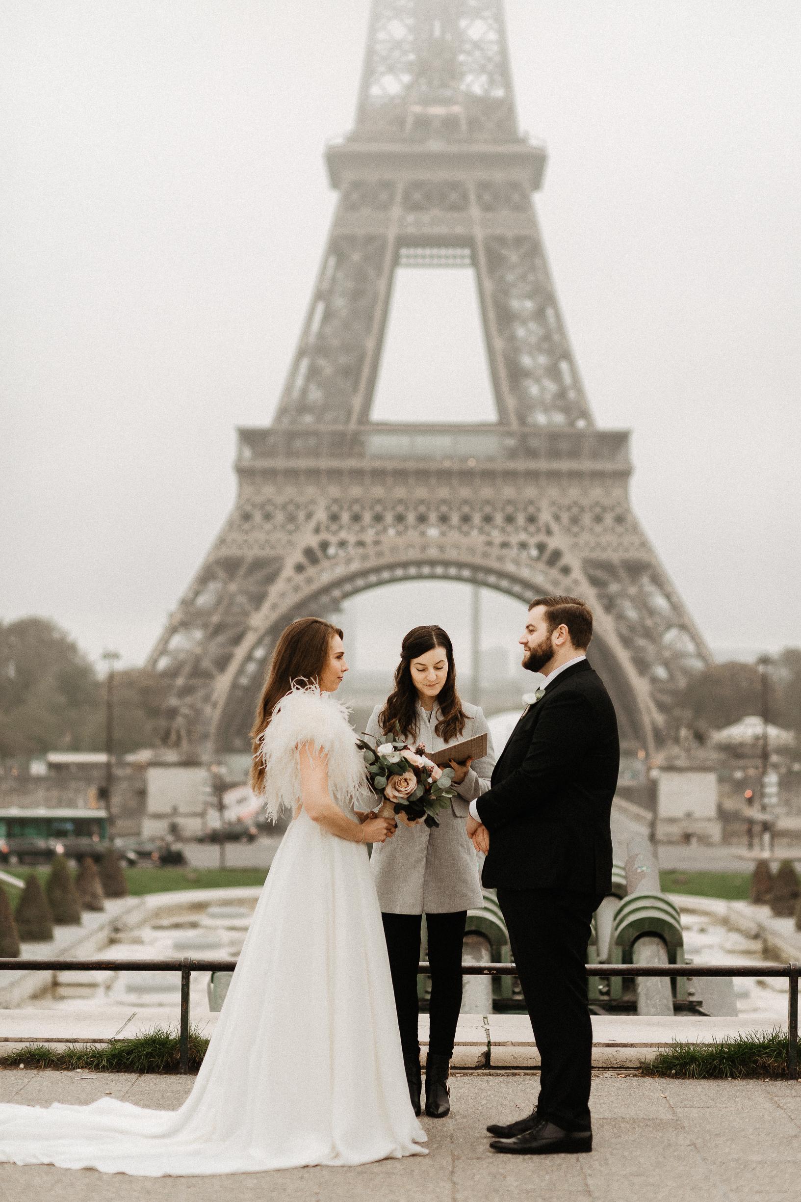 Paris elopement photographer eiffel tower officiant
