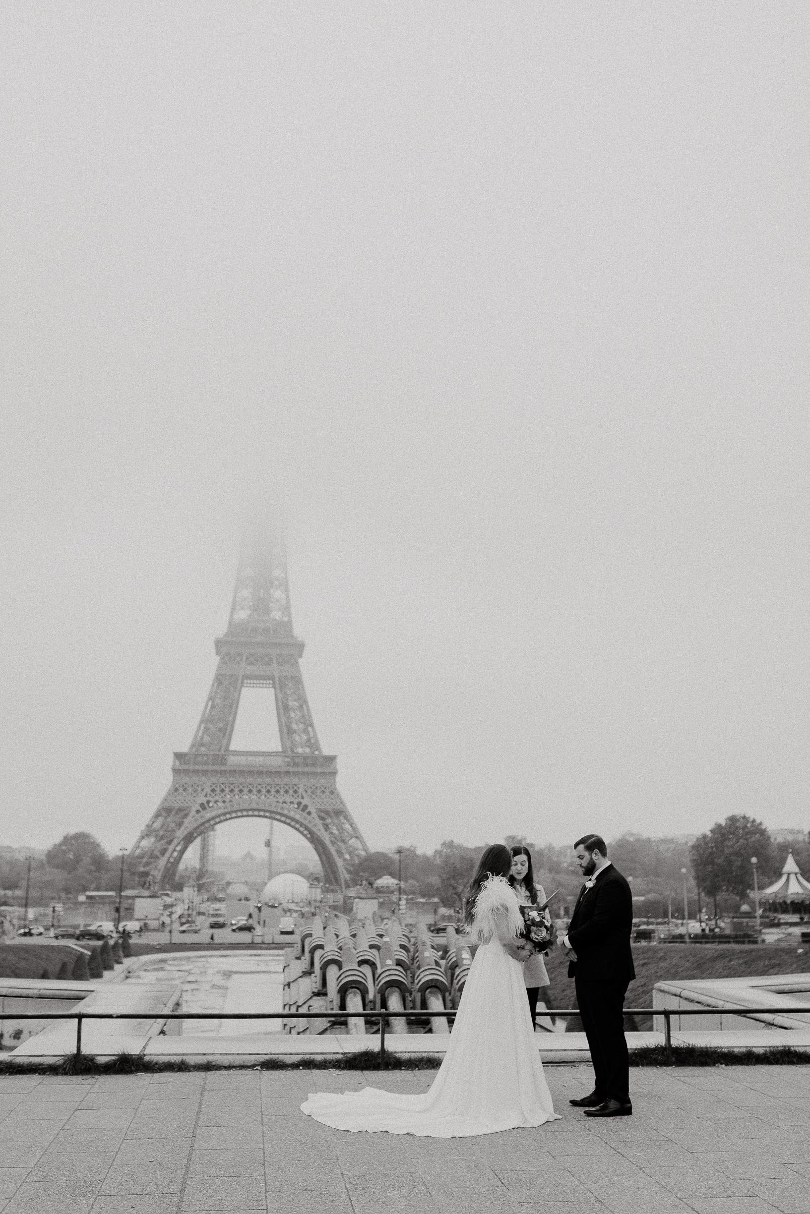 Paris Elopement officiant front of eiffel tower