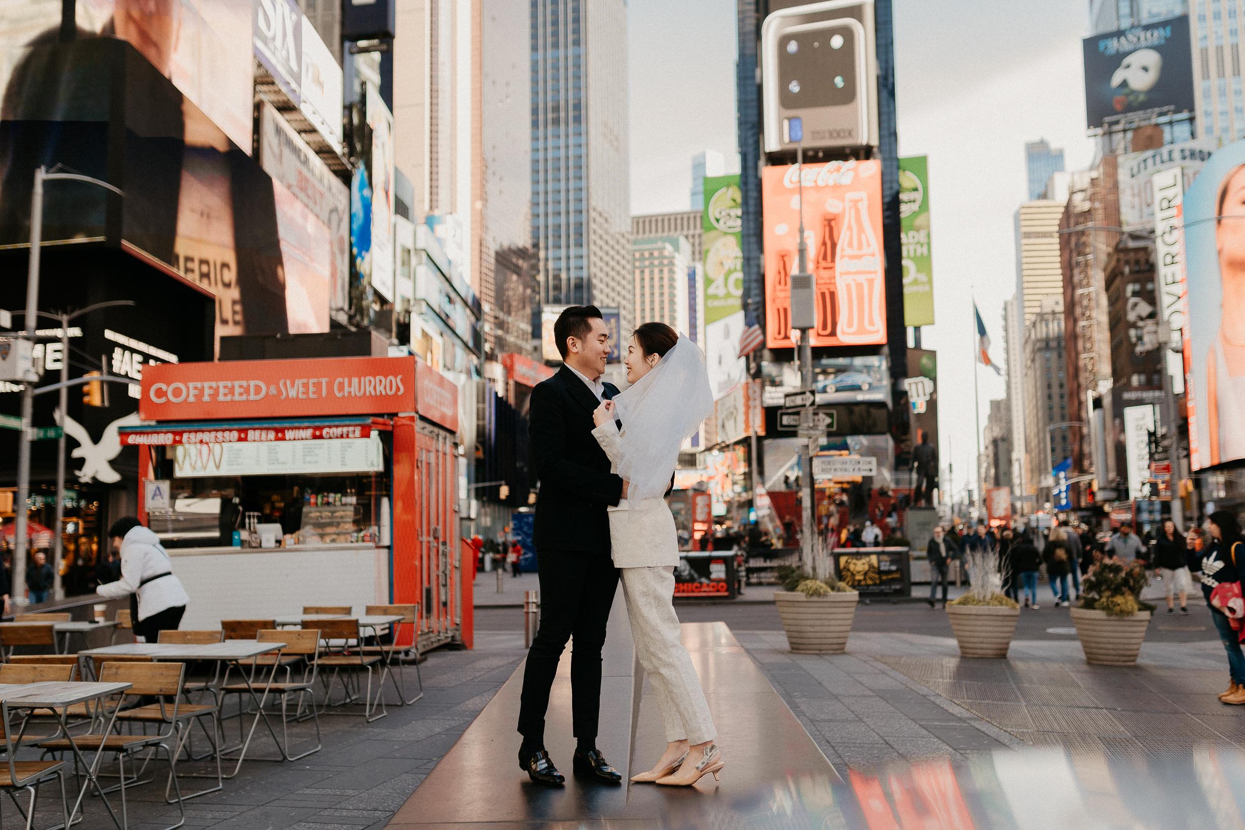 Times square pre-wedding photoshoot