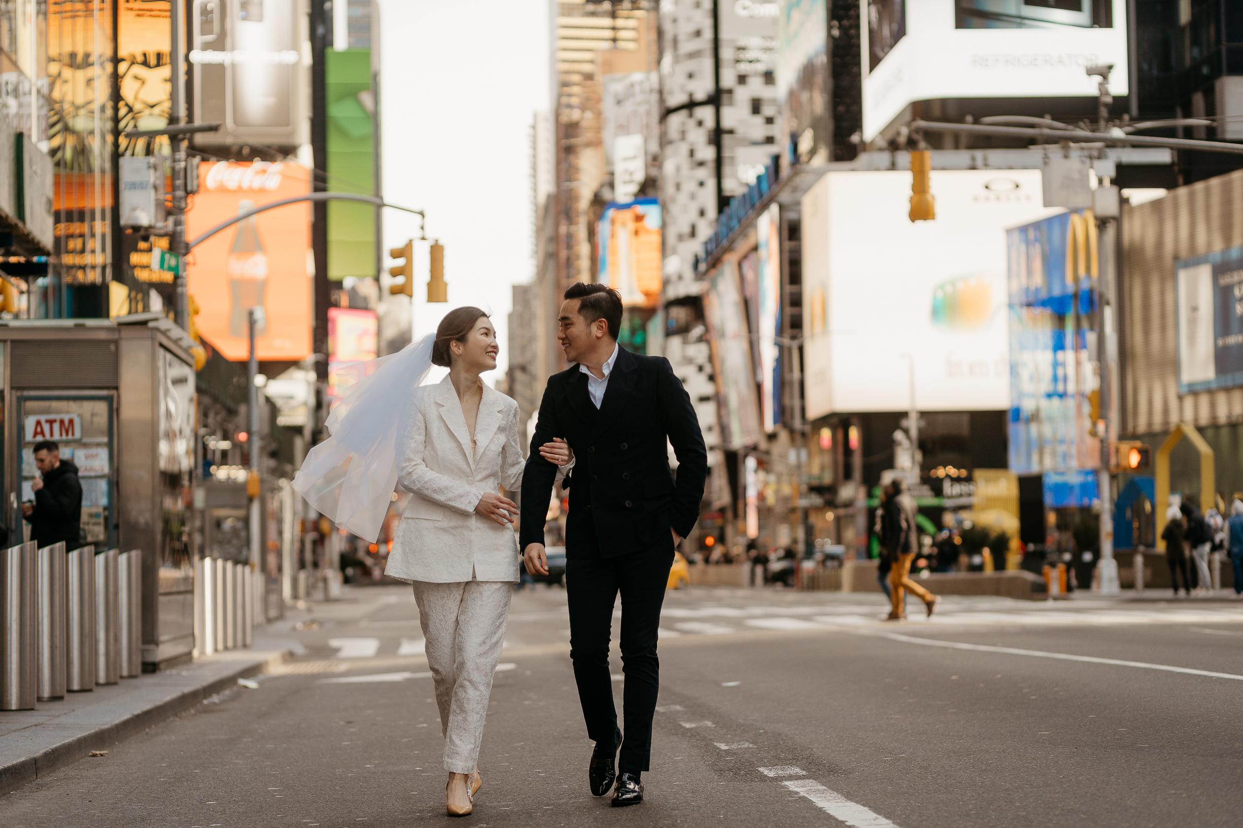 New york times square pre-wedding photoshoot