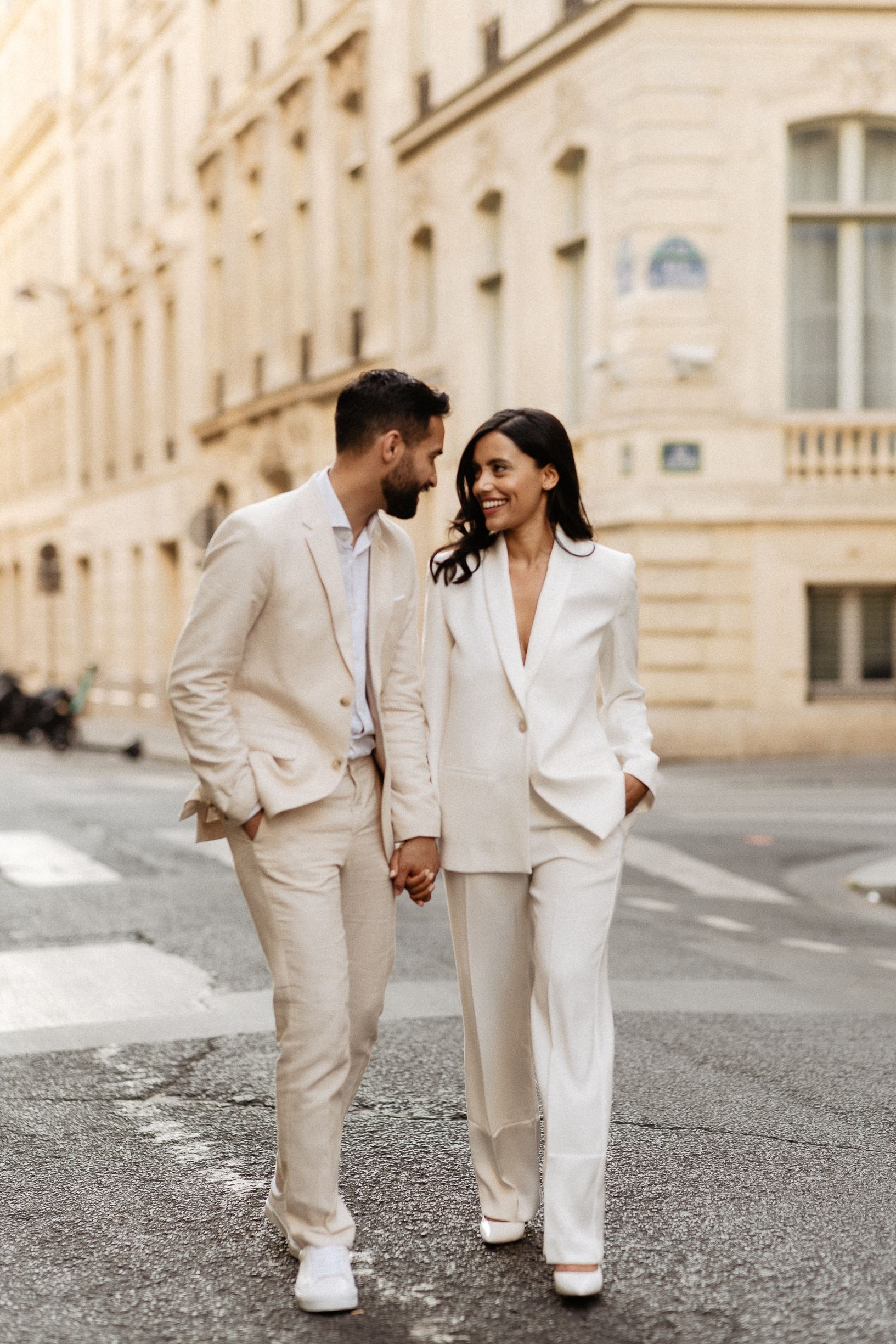 Couple wearing suits paris photographer