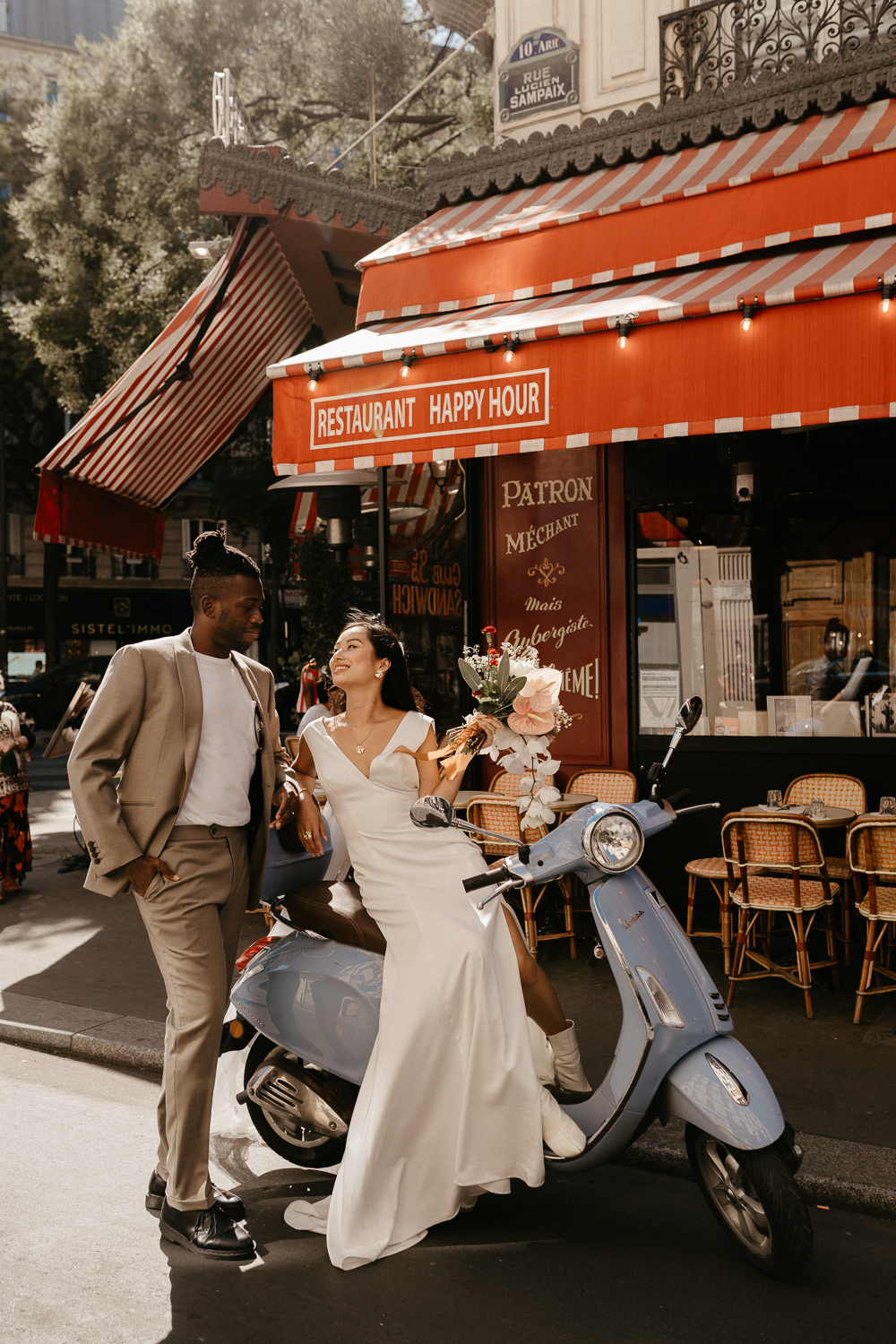paris wedding photographer with blue vespa