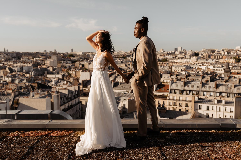paris photographer on rooftop toits de paris