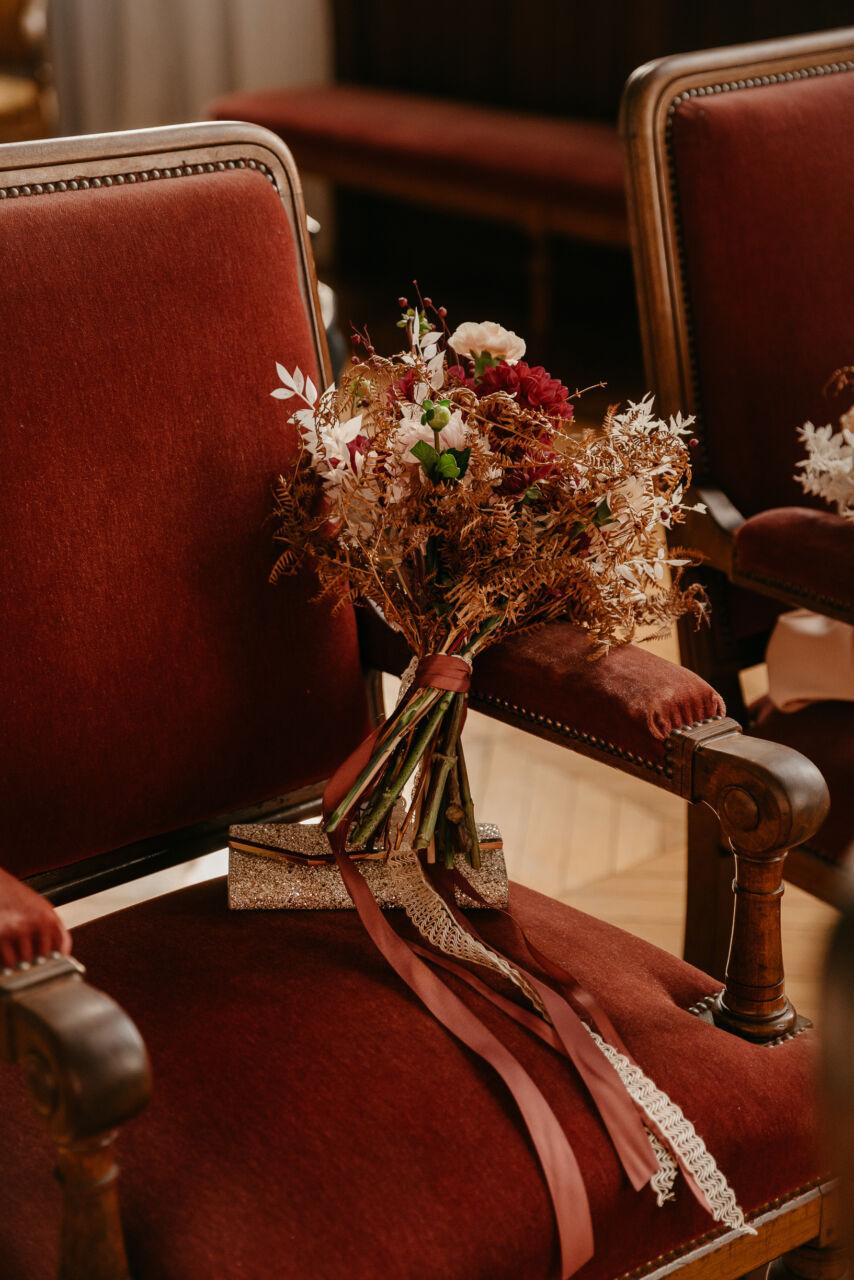 Bouquet de fleurs Mariage civil mairie Nogent sur Marne photographe