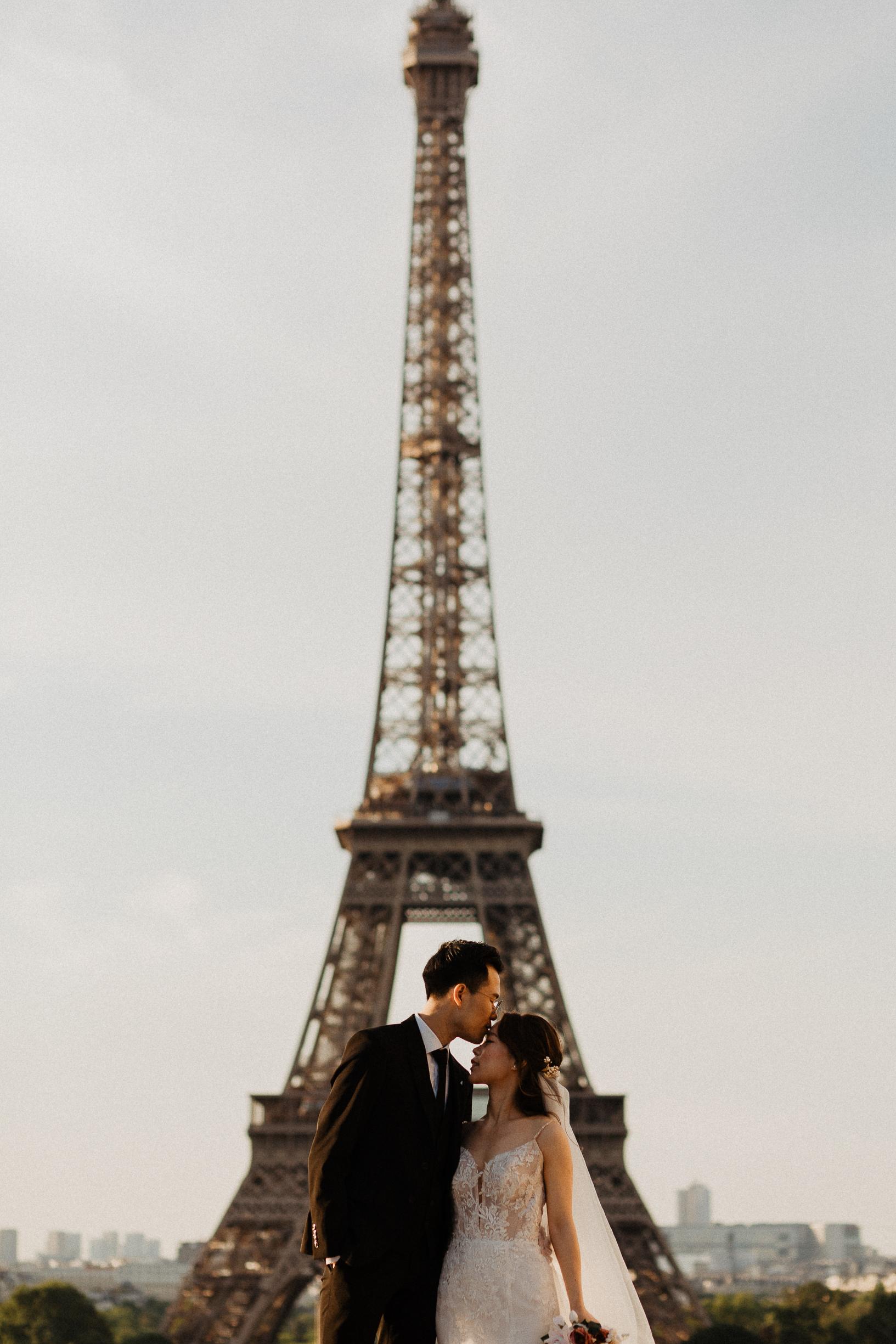 Paris Pre-wedding photographer Paris