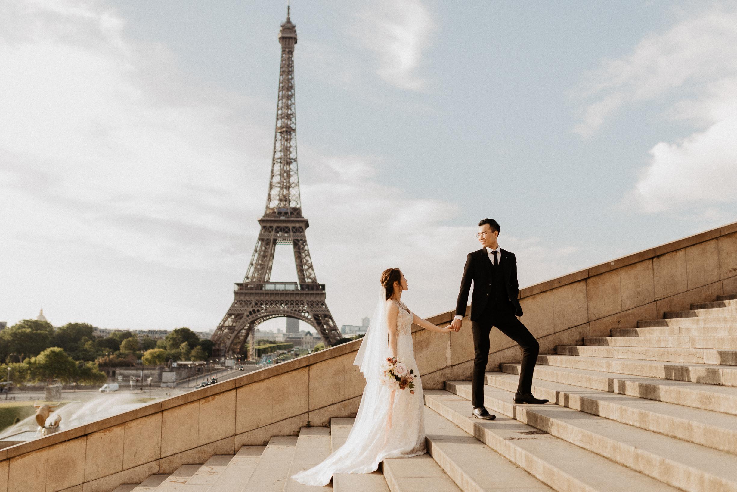 Best locations for Paris pre-wedding Eiffel tower in Trocadero