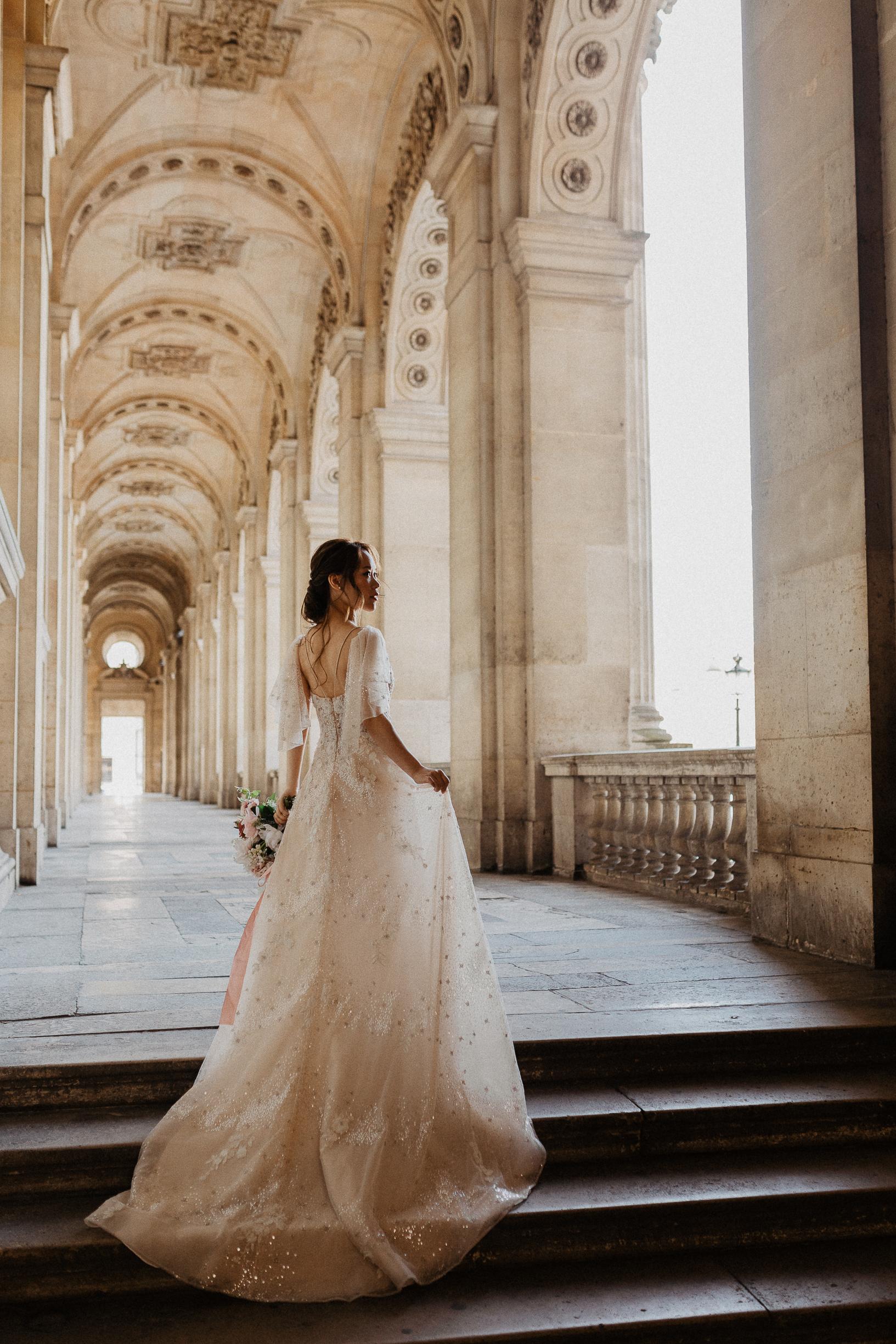 Bride portrait in Louvre museum for Paris wedding