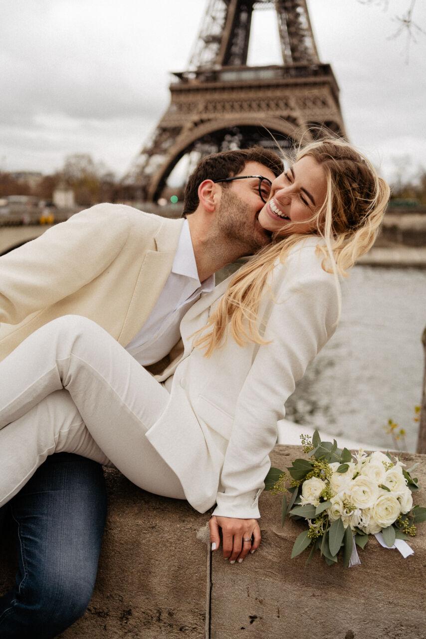 Photo de couple paris wedding civil mariage