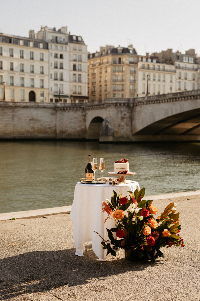 Cake and champagne paris elopement