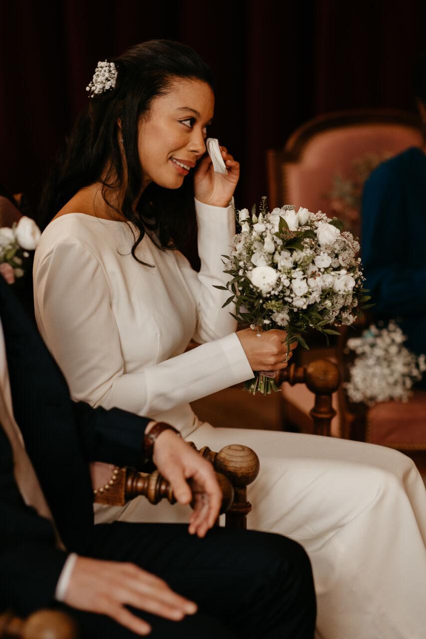 mariage civil paris mairie montrouge couple nouveau mariage fleur pleurir