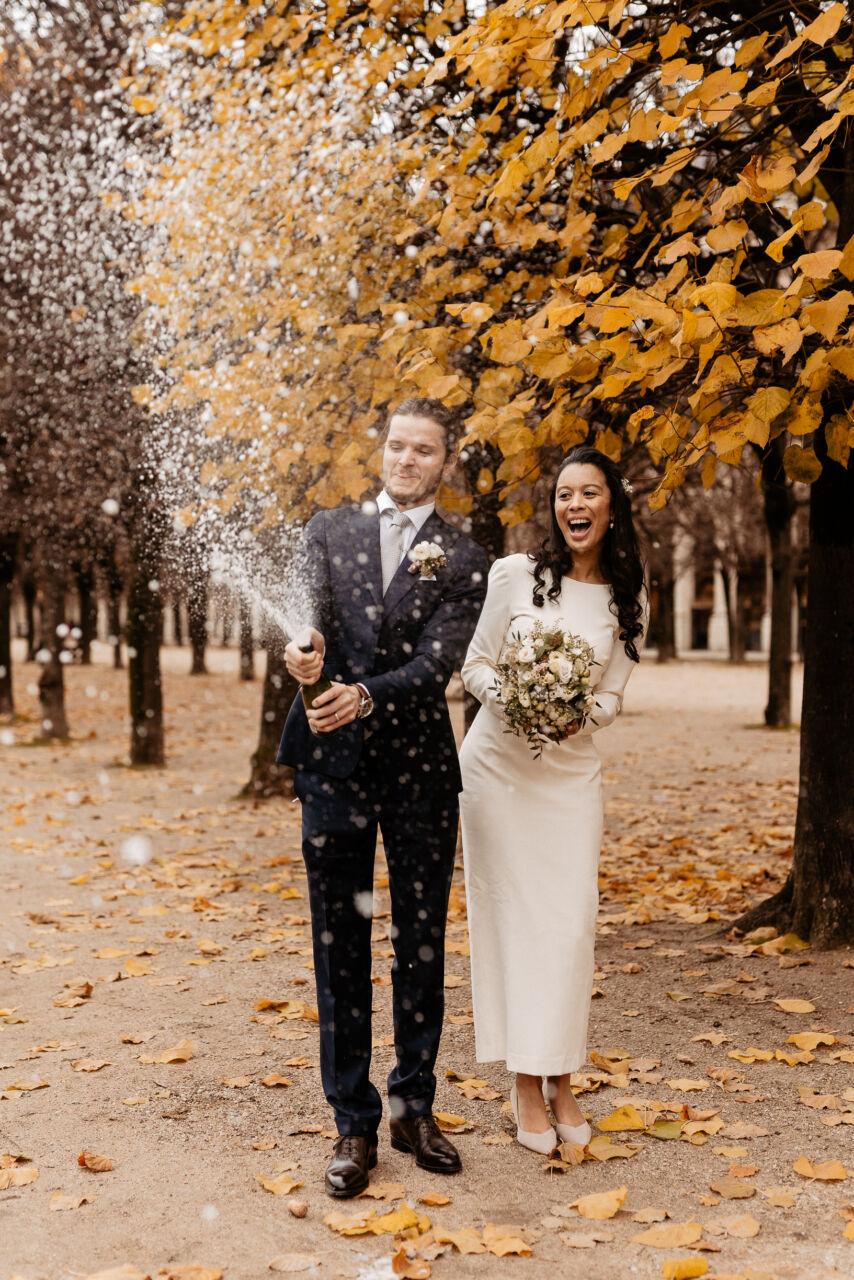 champagne popping elopement wedding paris photographer