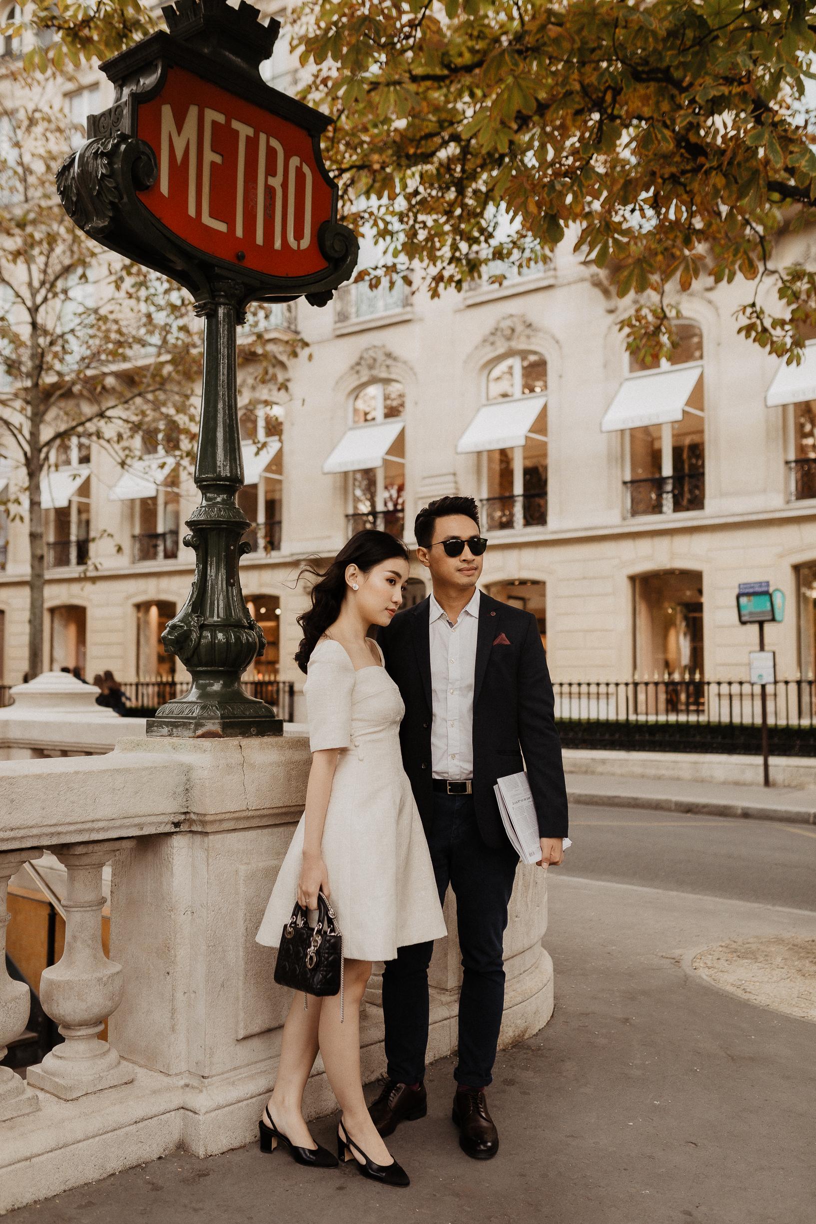 bride and groom at a paris metro