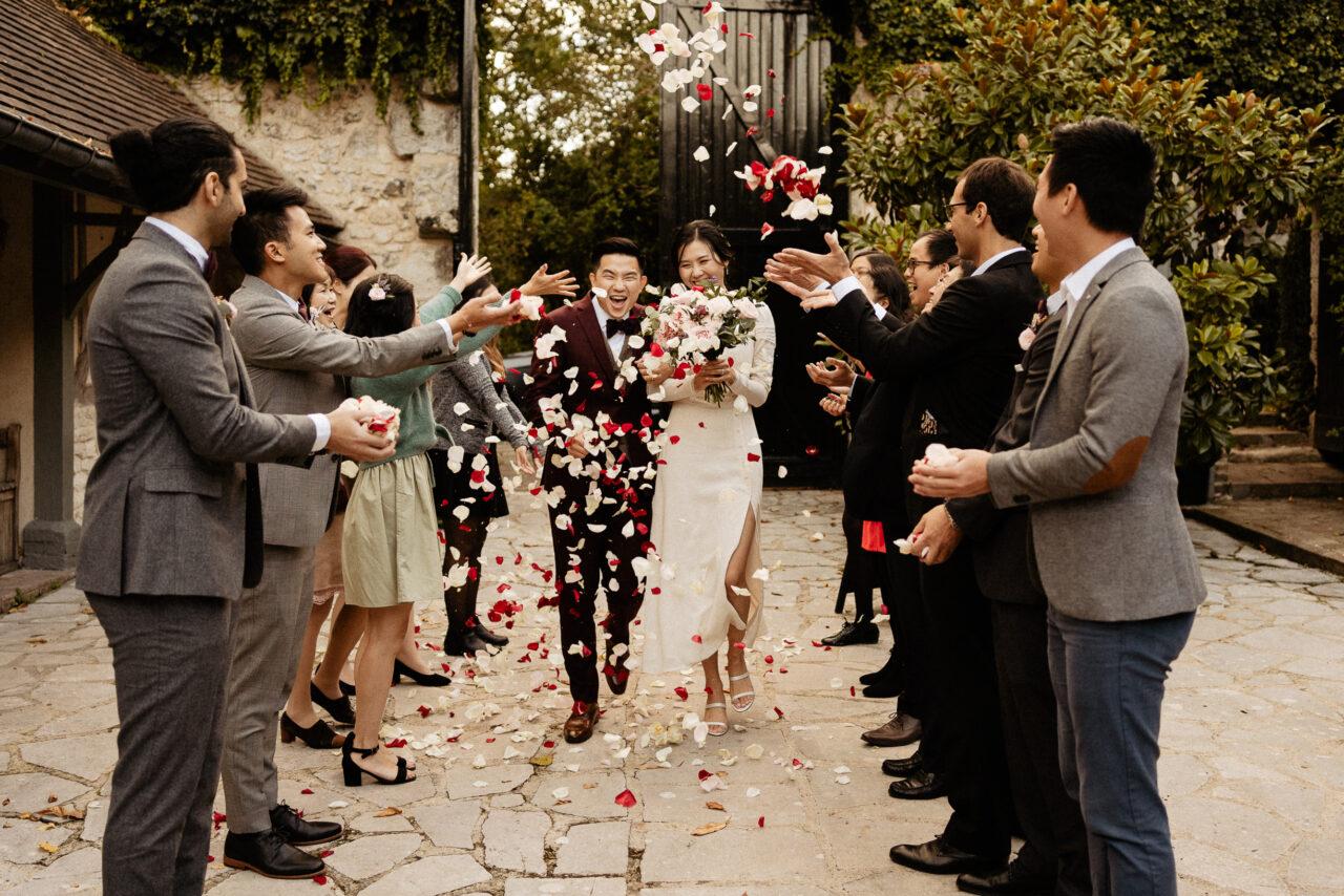confetti happy wedding moment
