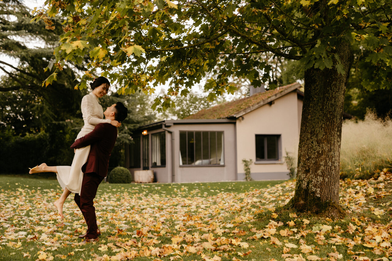 couple wedding photoshoot a la Dime de Giverny