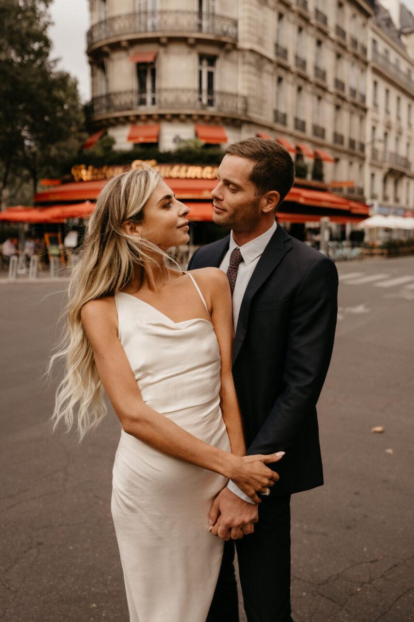 paris engagement couple